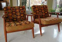 Vintage furniture from the mid- 20th century decorates the lobby and each of the rooms at the Del Marcos Hotel.